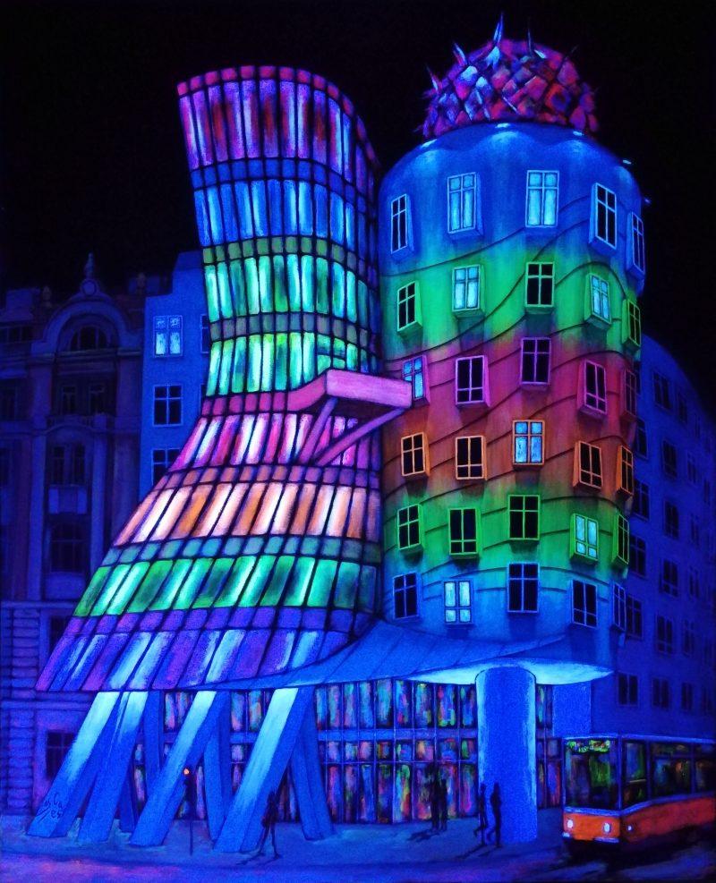 Casa Danzante Fluorescente