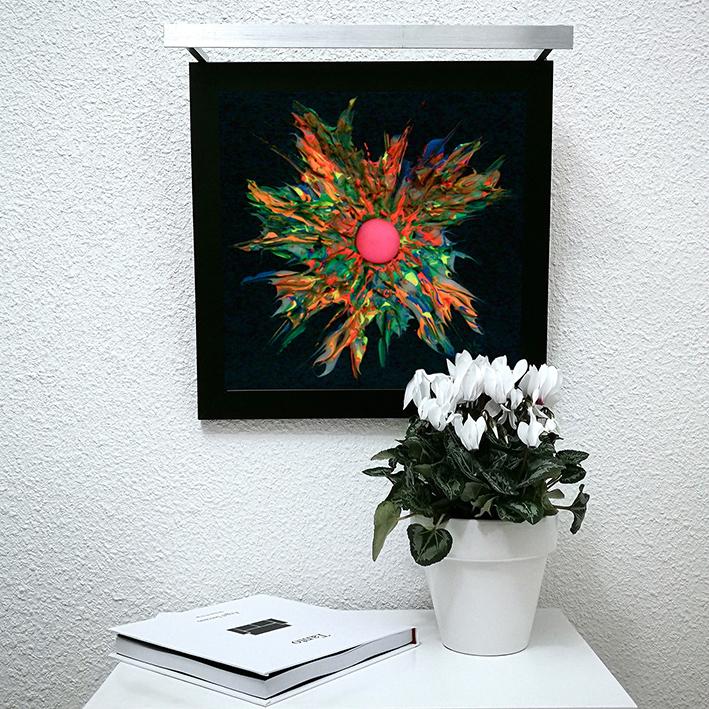 Vicky-Casellas.-Explosión-fluorescente.-Técnica-mixta-sobre-madera.-40-x-40-cm-1-blog.jpg