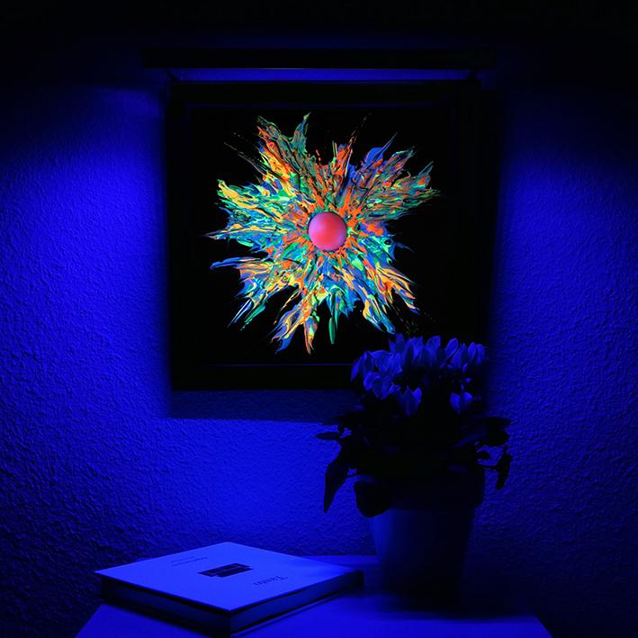 Vicky-Casellas.-Explosión-fluorescente.-Técnica-mixta-sobre-madera.-40-x-40-cm-2-blog.jpg